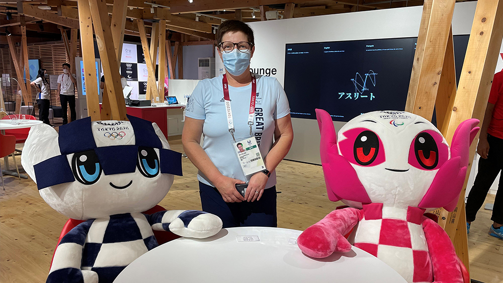 Paralympics GB Bev with Tokyo 2020 Mascots